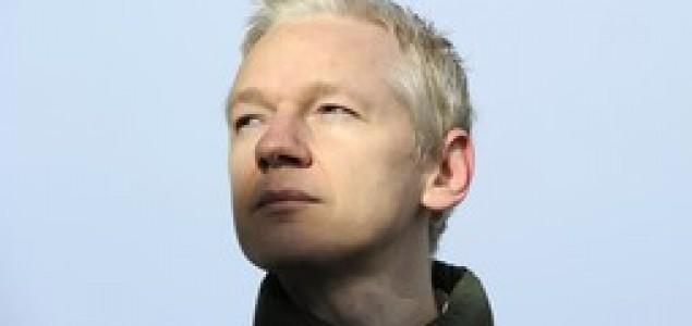 Britanci zaprijetili Ekvadoru upadom u veleposlanstvo u Londonu ako ne izruče Assangea