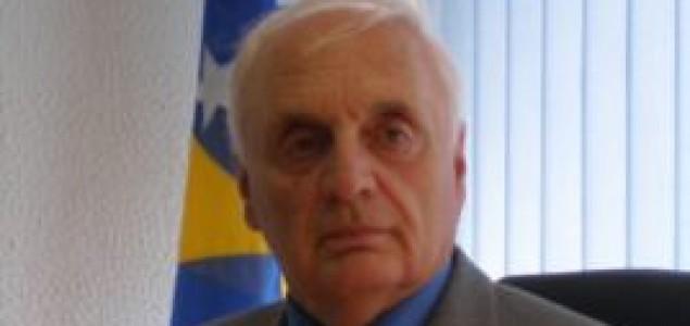 BiH izgubljena u političkim kombinatorikama