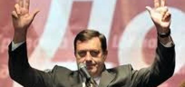 Kod Dodika  i vozovi stali