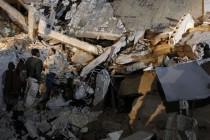 Gadafijev kompleks pogođen u bombardovanju