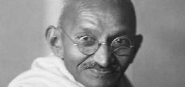 Međunarodni dan nenasilja. dan rođenja velikog mirotvorca Mahatme Gandija