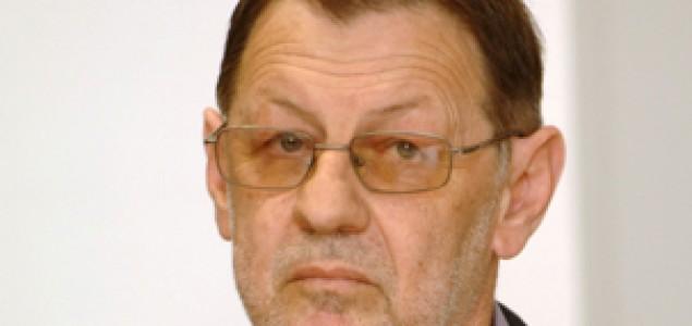 Zoran Pusić: Nepodnošljiva lakoća laganja  Josipa Jovića