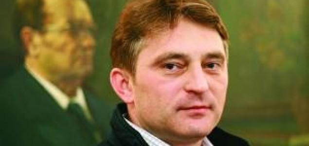 Željko  Komšić osniva  stranku 7.aprila