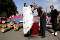 Kosovo pred novim ratom-Mir! Mir, brate, mir!-Video