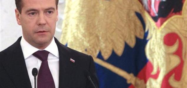 Medvedev prijeti Ukrajini zbog dugova