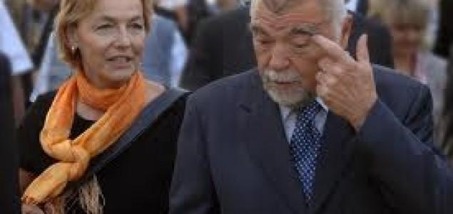 Mesić poručio Pusićki: Povlačenje tužbe protiv Srbije je neprihvatljivo, zna se ko je bio agresor!