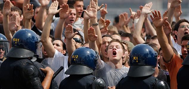 Policija: Nisu pederi Papa da moraju biti bezbjedni