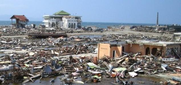 Katastrofalan potres u Indoneziji, prijeti ubojiti tsunami!