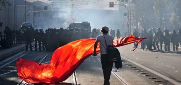 Nasilje u Rimu eskaliralo,prosvjednici  krenuli na crkve : Otet kip Gospe i veliki krž -VIDEO