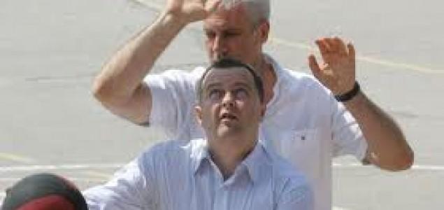 Svetislav Basara:Devedesete se vraćaju na velika vrata