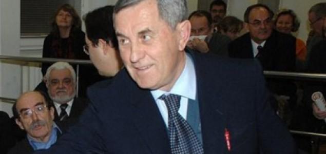 Časni čovjek i sveštenik na čelu Splita: Ivan Grubišić uvjerljivo  vodi u utrci za Split i županiju