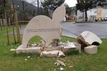Mostar šokiran vandalskim napadom na spomenik Armije BiH