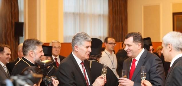 Ugledni teolog Ivan Bubalo pita  Dragana Čovića: Kako te nije stid slaviti sa Dodikom godišnjicu genocidne tvorevine i primati njezina odlikovanja?
