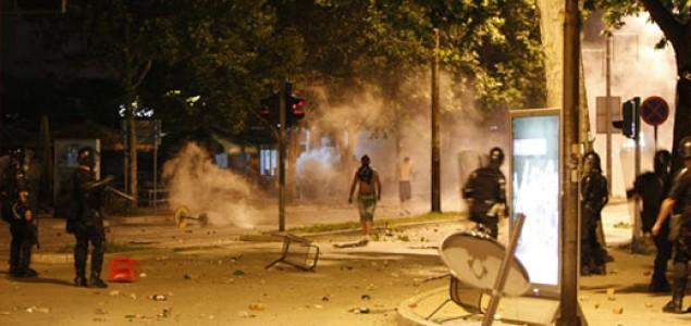 Navijački neredi u Mostaru: Mladi nacionalisti  terorišu grad