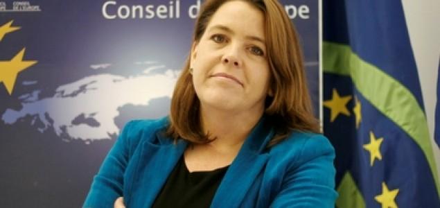 Bravo Mary Ann Hennessey: Šefica ureda Vijeća  Evrope uspjela izdejstvovati postavljanje spomenika civilnim žrtvama rata u Prijedoru