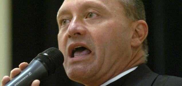 Svećenik priznao: Kriv sam, raspačavao sam drogu