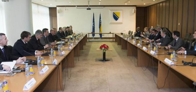 Zašto je opasno forsirati članstvo u NATO paktu bez  unutrašnjeg koncenzusa u BiH?