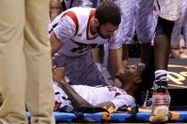 Video: Stravična povreda košarkaša Louisvillea