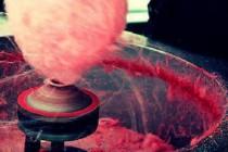 Video: Pogledajte kako se pravi šećerna vuna