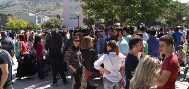 Stotine Mostaraca izašlo na ulice! Uzvikivali: 'HDZ, SDA – lopovska politika', 'Vratite nam pare'…