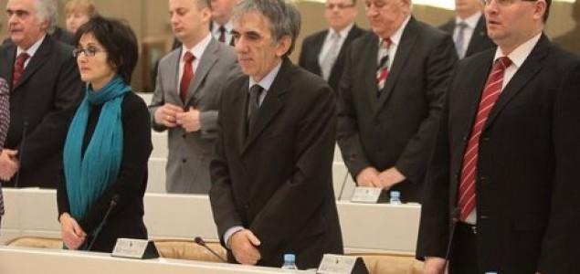 Sram vas bilo: Parlamentarci u BiH zarade osam prosječnih plata u zemlji