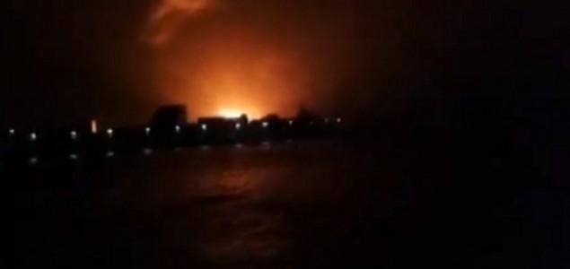 Eksplozija podmornice u Indiji: Strahuje se da je 18 mornara ostalo zarobljeno