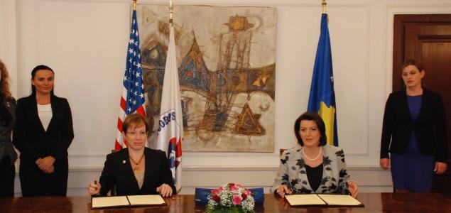Kosovo i SAD potpisali sporazum o programu Mirovnog korpusa na Kosovu