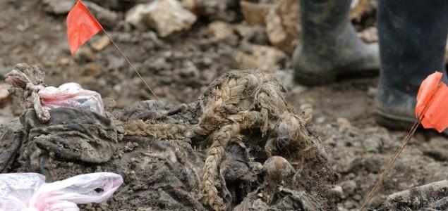 Oči porodica nestalih Prijedorčana uprte u masovnu grobnicu u rudniku Tomašica