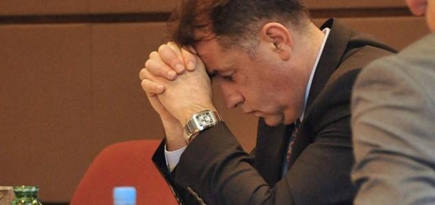 Novi političar pod udarom zakona: Ministar Mikulić osumnjičen za zloupotrebu položaja