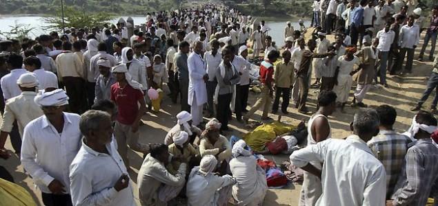 Više od 100 mrtvih u stampedu u Indiji
