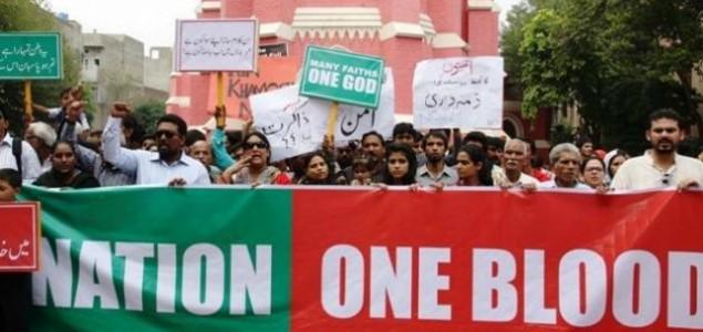 Muslimani tijelima štitili kršćane u Pakistanu tijekom nedjeljne mise