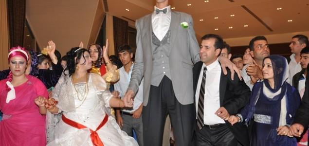 Oženio se najviši čovjek na svijetu