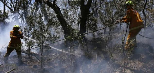 Tisuće Australaca napušta svoje kuće zbog opasnosti od požara
