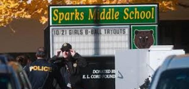 SAD: U napadu u osnovnoj školi ubijen nastavnik, ranjena dvojica 12-godišnjaka