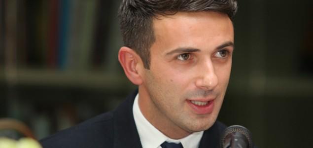 Aleksandar Ilić na 5. Internacionalnom Festivalu Savremenog plesa u Ažliru