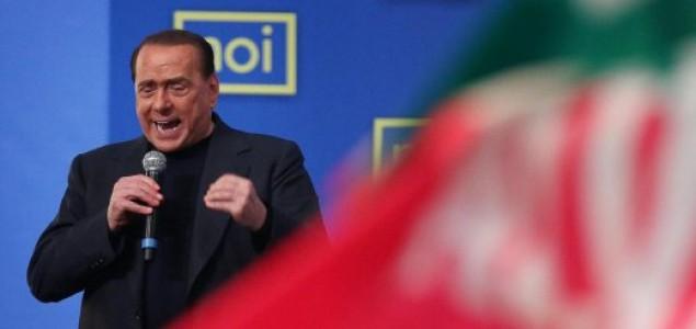Zastupnici oduzeli Silviju Berlusconiju senatorsko mjesto