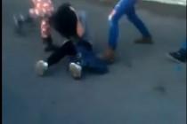 Užasavajući snimak iz Tuzle: Tri učenice brutalno pretukle svoju kolegicu