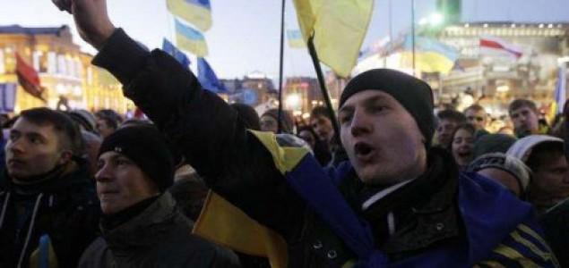 Ukrajina: Deseci mrtvih, moguć kompromis nakon pregovara Janukoviča i EU