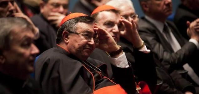 'Crkve oblažu oniksom, a narod kopa po kantama'