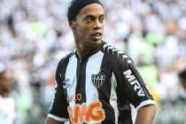 Čarolija: Ronaldinho se golčinom iz slobodnjaka vratio na teren