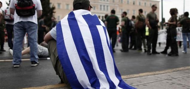 The Guardian: Europska elita želi maknuti Sirizu