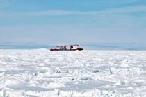 Ruski brod se oslobodio iz santi leda na Antarktiku