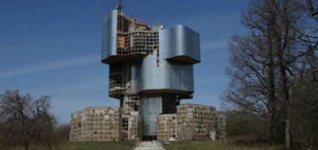 Ideološki aspekti rušenja spomenika NOB-a