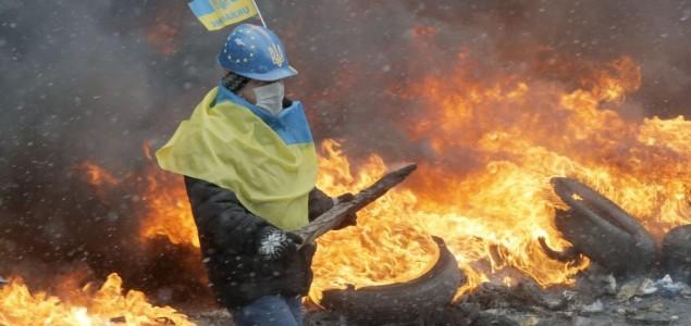 Kijev i dalje liči na ratnu zonu, opozicija najavila ofanzivnije djelovanje