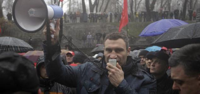 U Kijevu izbili sukobi tokom protesta: Vitalij Kličko pozvao je na mir