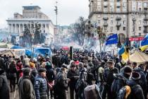 Ukrajina: Policija uklanja kamp demonstranata, jedna osoba poginula
