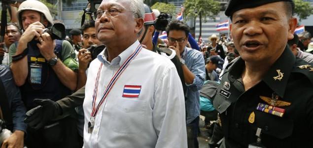 Premijerka Tajlanda napustila Bangkok