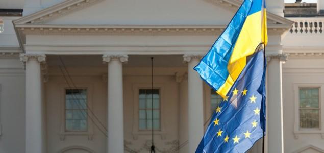 Izdat nalog za hapšenje Janukoviča, Ešton u Kijevu