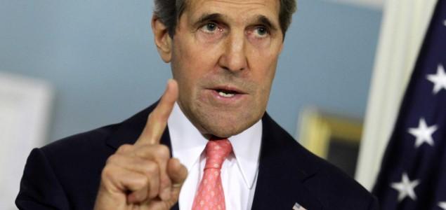 SAD upozorile Francusku zbog poslova sa Iranom