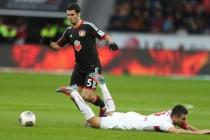 Kicker (ne)realan u ocjenama za bh. Igrače: Leverkusen ne može dobiti bez Spahića u timu
